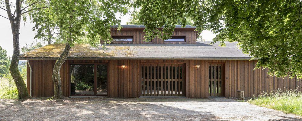 Úžasná proměna! Z rozpadlého bungalovu je po rekonstrukci kouzelná chata