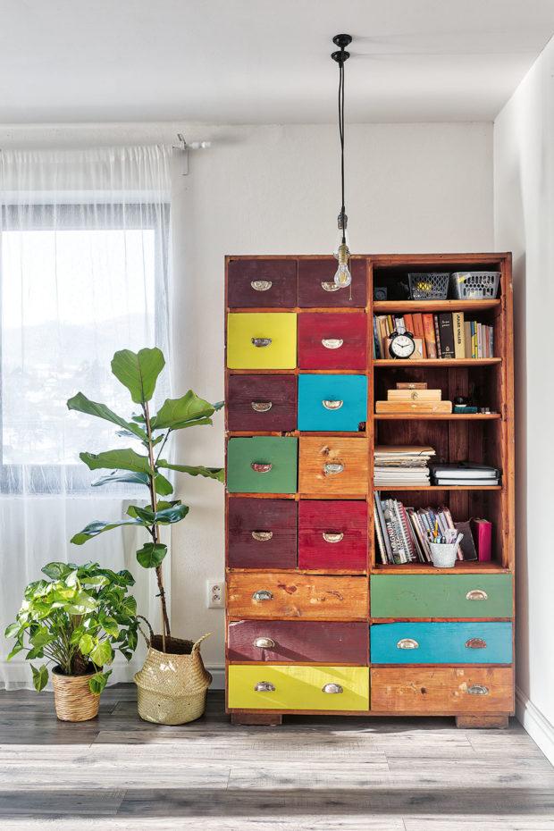drevená skrinka
