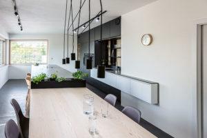 kuchyňský ostrůvek svarným centrem
