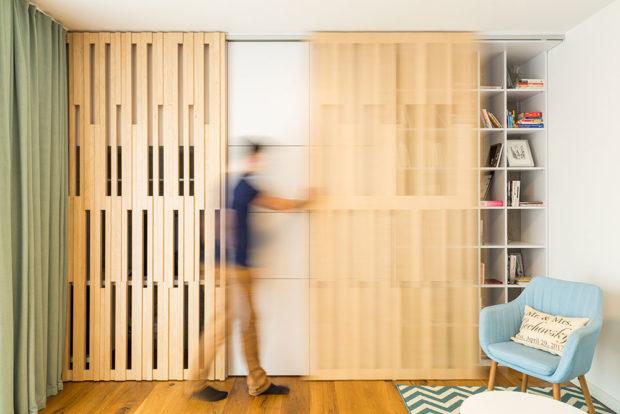 posuvné dřevěné panely