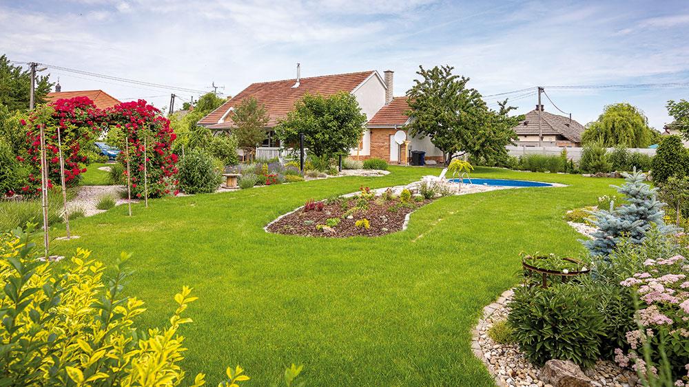 Romantická venkovská zahrada, kterou si majitelka navrhla sama