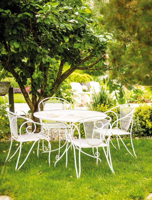 Zahradní sezení ve vintage stylu