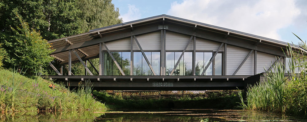 Skutečná výzva pro architekty: Dům, který spojuje dva břehy