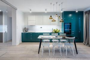 kuchyne v tyrkysove barve