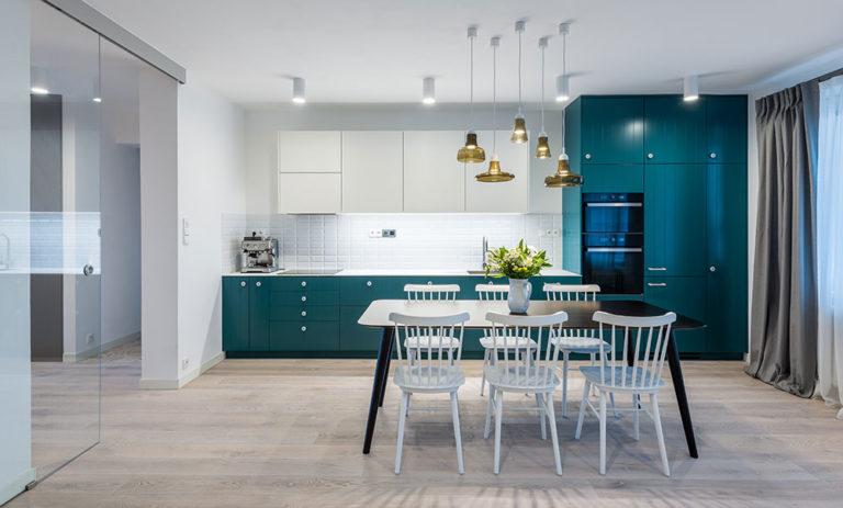 Panelákový byt s moderním nádechem Provence