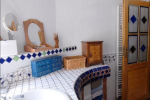 koupelna s mozaikou
