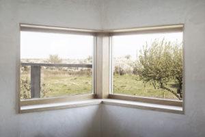 rohové okno