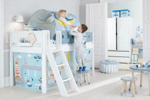 drevená poschodová postel do detského pokoje