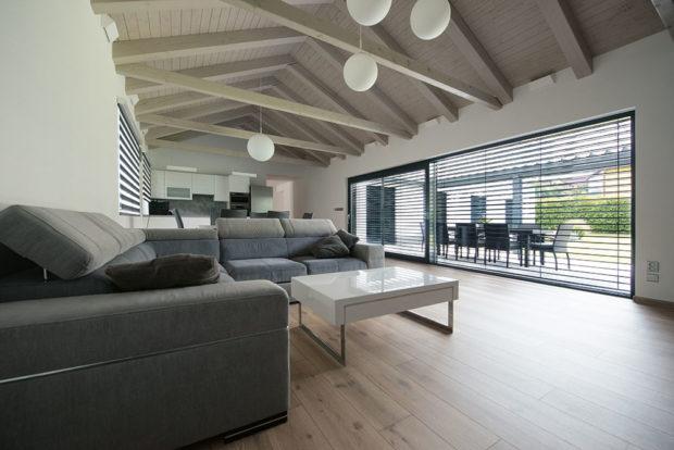 obývací pokoj v minimalistickém stylu