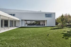 Pohyb terasy rodinného domu