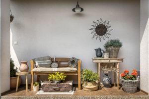 veranda ve stylu starých venkovských domů zde nesmí chybět