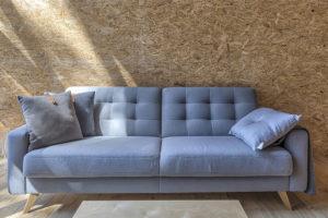 obývací pokoj se sedqčkou