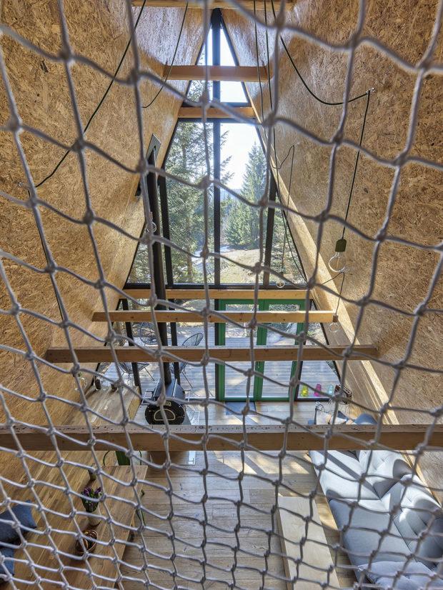pohled z loftu chatky