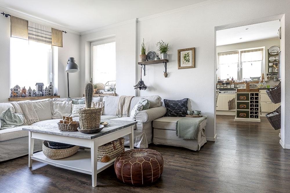 Stolek vobývacím pokoji