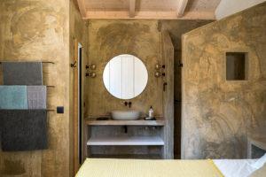 ložnice s koupelnou