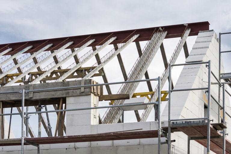 Masivní střecha z Ytongu – ochrana proti letnímu přehřívání bez klimatizace