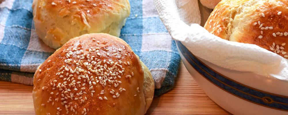 Domácí hamburgerové žemle: chutné, čerstvé a voňavé!