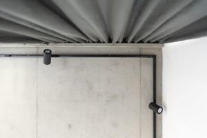 rám z pohledového betonu