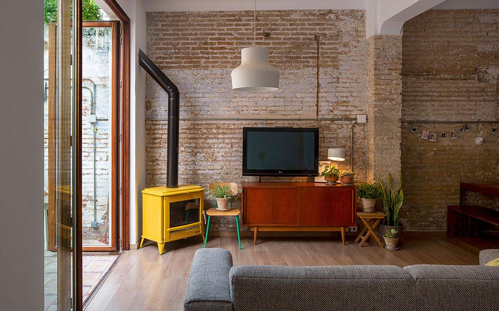Malý byt v přízemí získal výhody rodinného domu