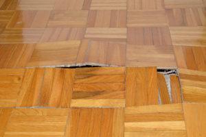 Křivá podlaha