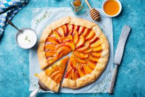 Zdravý nektarinkový koláč s limetkou
