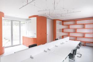 rokovací místnost, kuchyňka