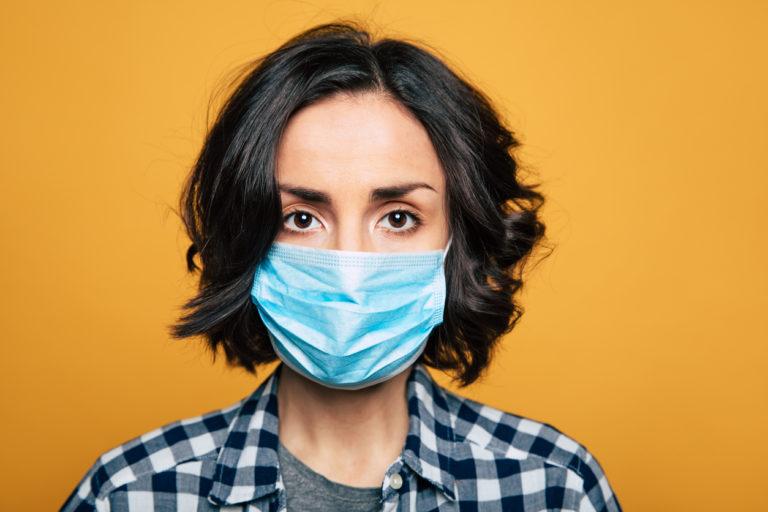 10 užitečných návodů, jak si doma vyrobit ochrannou roušku