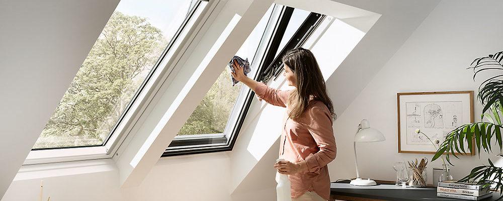 Správný postup při mytí a údržbě oken