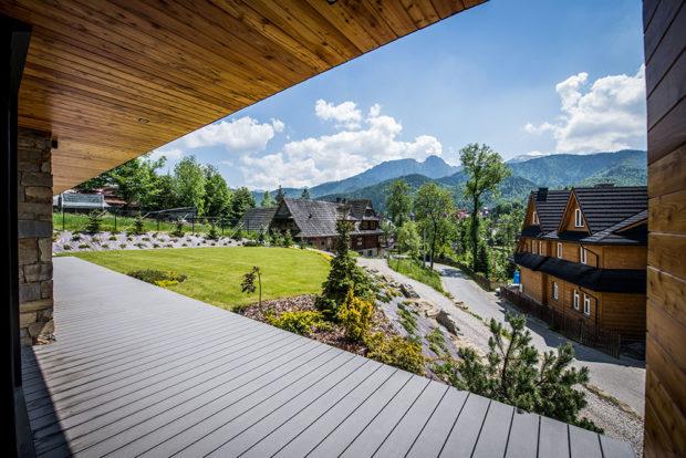 Krytá terasa s krásnými výhledy na okolí
