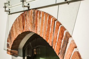 Znovuzrození farmy Chorowice interiér