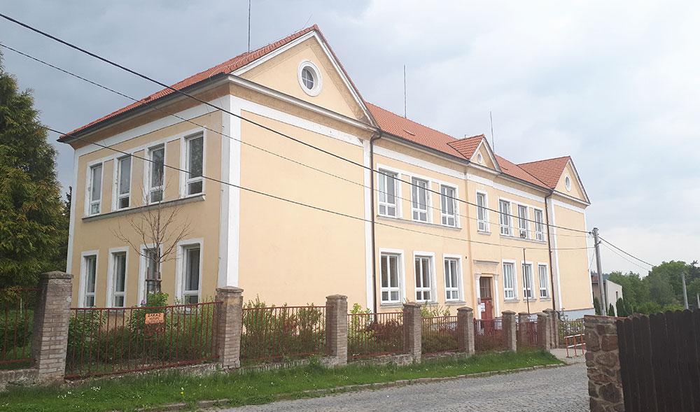 Poctivá střecha pro obecnou školu