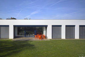 rodinný dům s venkovní terasou