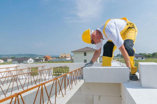 Ukládání nosníků - Pórobetonový montovaný strop