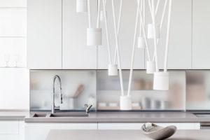 Bílá kuchyň