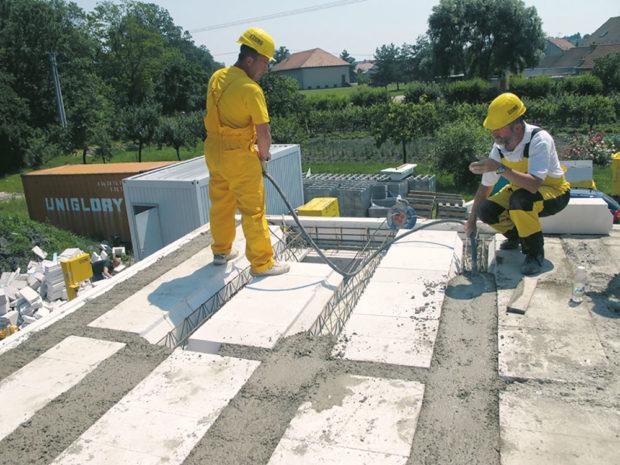 Zhutnění betonové směsi