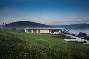 Prostorný rodinný dům v kopcovitém prostředí moravských Heroltic