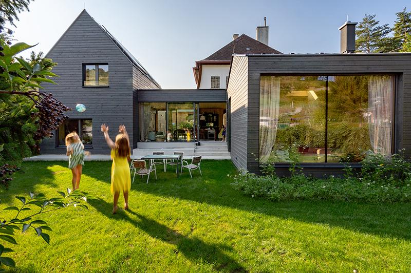 Řešení pro staré domy s charizmatem: Raději přistavět, než bourat!