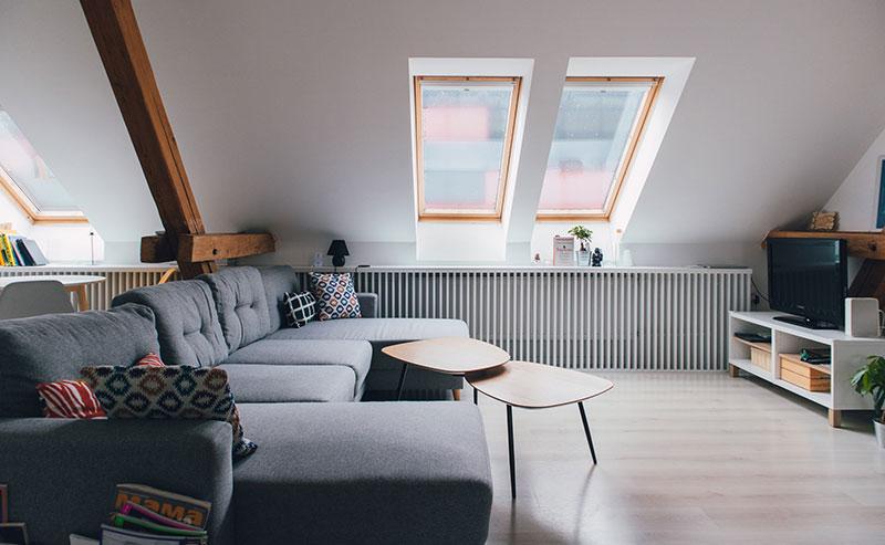 Multifunkční řešení podkroví přeměněného v bydlení
