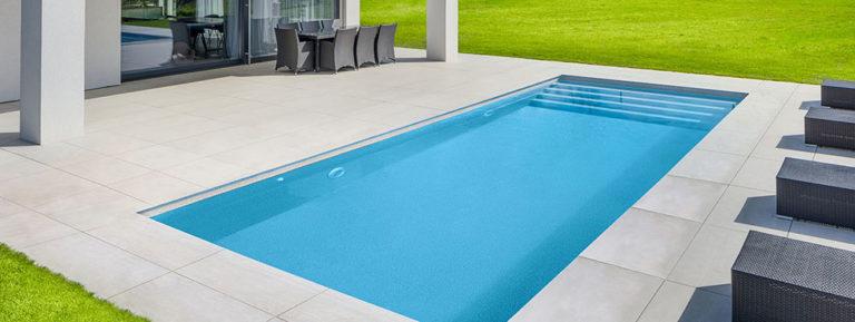 Výrobci hlásí potíže. Budou bazény na pořadník?