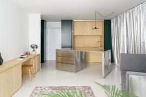 Přizpůsobivý byt pro tři: Podívejte se, jak se umí měnit!