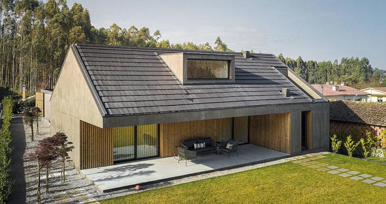 Dům propojený s přírodou ukrývá uvnitř luxusní interiér