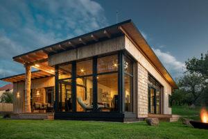 Dřevěná stavba roku 2020? Stala se jí tato nízkoenergetická dřevostavba s osmi druhy dřeva