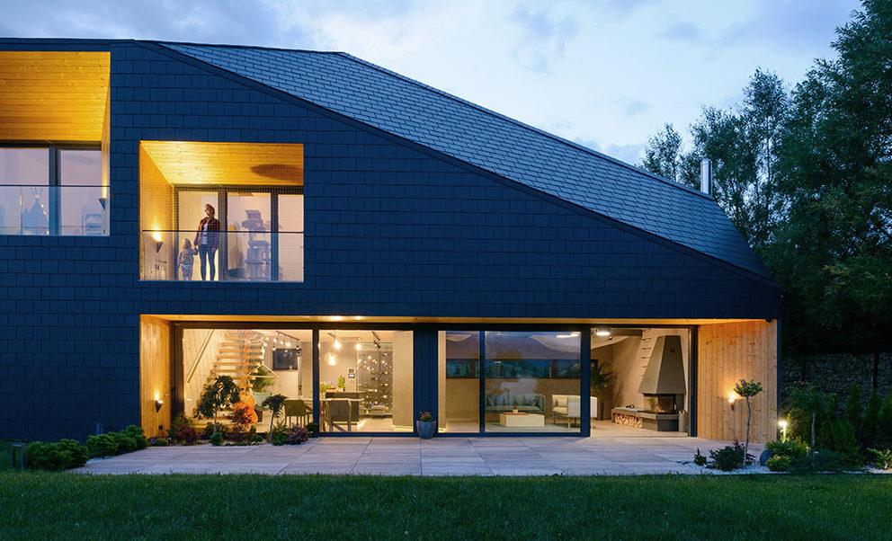 Klasický dům se sedlovou střechou? Jedinečný dům vás přesvědčí, že existují i jiná řešení