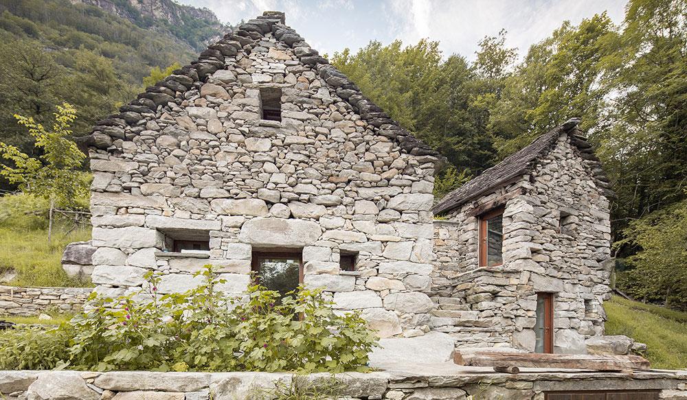 Soběstačný rekreační dům s vodou z pramene: Věřili byste, že to byla stáj?