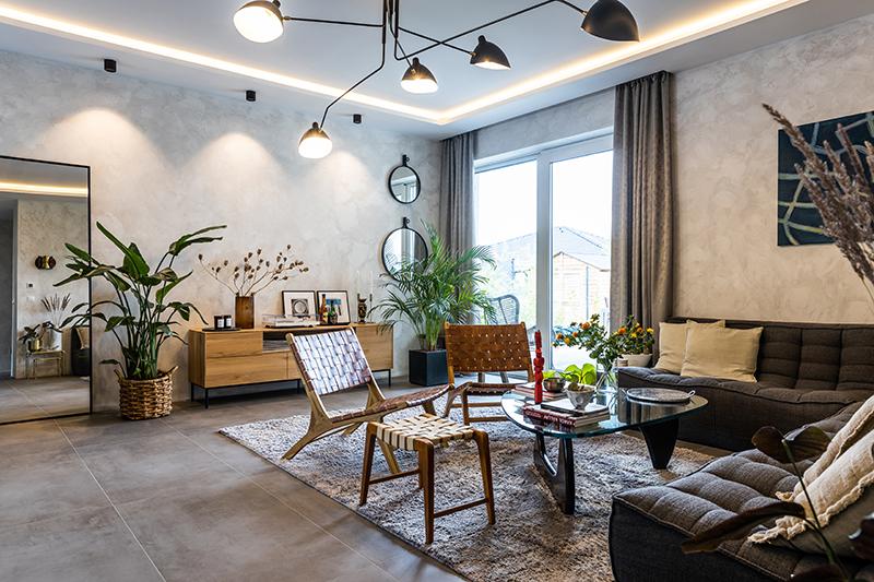 Interiér bungalovu mladého muže chytí za srdce každého milovníka designu