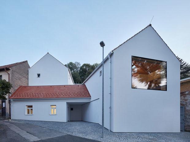 Rodinný dům v Praze Jinonicích, 111 architekti