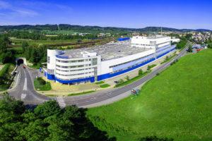 Letecký pohled současnou podobu výrobního závodu KORADO v České Třebové