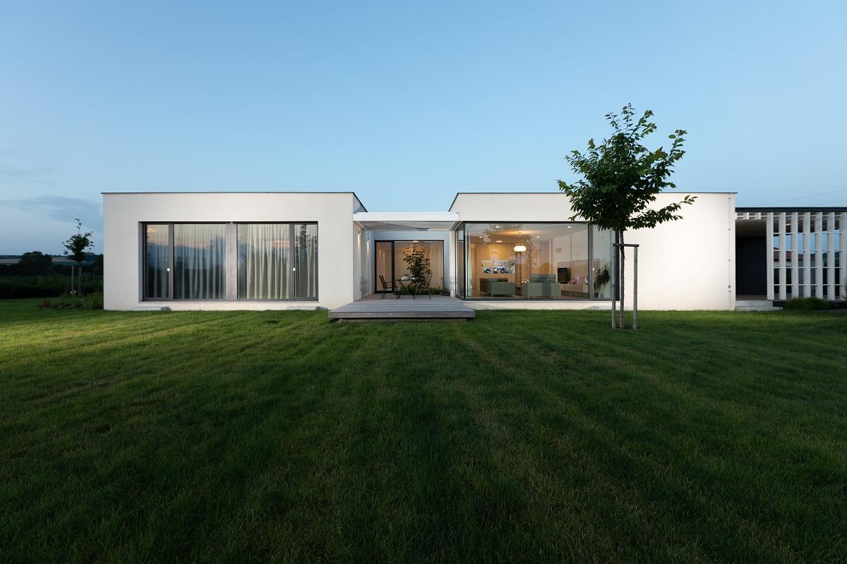 Krásné řešení jednopodlažního domu na okraji Kunovic