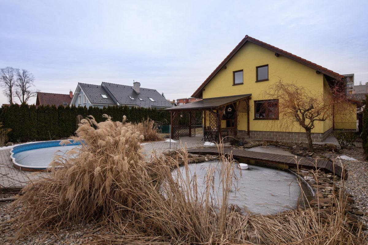 Třináctiletý dům po kutilovi