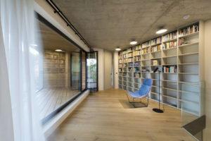 Knihovna s terasou